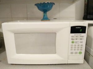 Microwave ـ Excellent condition / Micro-onde Excellent état