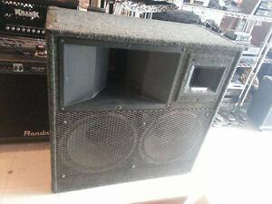Enorme speaker 2000 watts