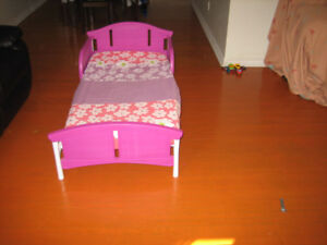TODDLER BED FOR SALE!!