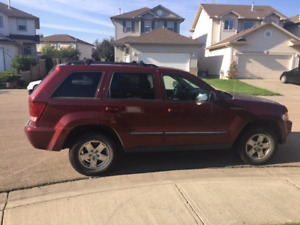 2007 jeep Cherokee (lady driven)