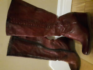 Collection Bulle red leather wedge boots