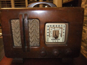crosley tube radio in good cond , works but needs new power cord Kitchener / Waterloo Kitchener Area image 4