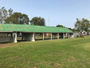 Tin Roofing / 22' x 170' barn stables