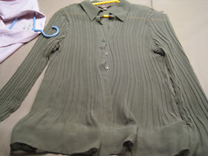 7 Women's Button Down Shirts Cornwall Ontario image 7