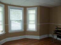 Large bachelor/bedsitting room available now