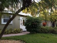 Hollywood Beach - Large 3 Bedroom 2 Miles from Beach