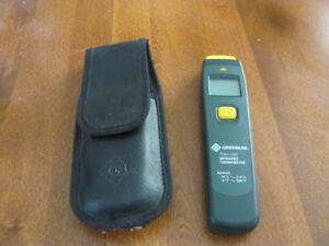 GREENLEE INFRARED THERMOMETER - LIKE NEW