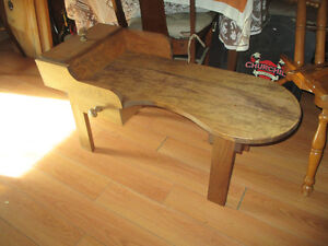 Beautiful Shoemaker Style Coffee table