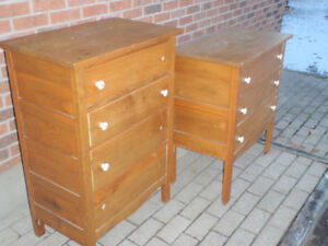 Commode / Armoire / / Dresser Vintage $50 ea ou $80 for both