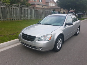 FULLY LOADED 2004 NISSAN ALTIMA **LOW KM**