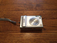 FujiFilm F10 Digital Camera (Metal Body)-No Trades