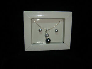 Boxed set matching necklace & earrings