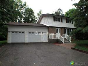 Single house with double garage near DND Carling Campus