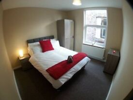New double room available,just 3 minutes from DEVONS ROAD station!