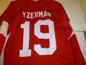 MEN'S STEVE YZERMAN AUTOGRAPHED JERSEY 4 SALE London Ontario image 7