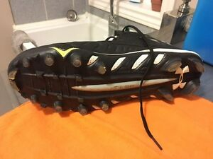 Football cleats  (size 12) London Ontario image 6