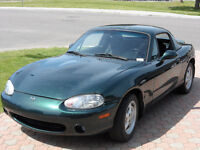 2000 Mazda MX-5 Miata Black Coupe (2 door)