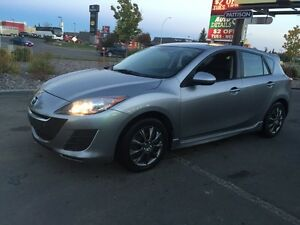 2011 Mazda 3 hatchback Winter tires  CERTIFIED