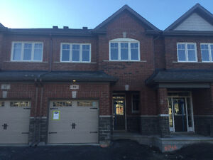 Large NEW 3.5bath/3bed/9ft Private Back.Townhome in Kanata