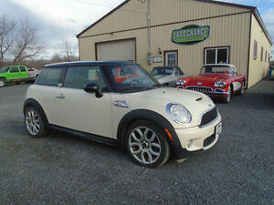 2007 MINI Mini Cooper S Premium Sport Package Coupe (2 door)