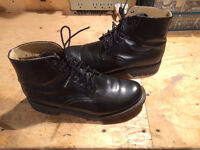 Black Leather Boulet Boots - Never worn