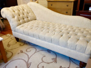 Beautiful Chaise Lounge, off White with tufting and Wooden Legs.