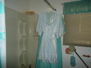 Esnsembles robes de chambre et jaquettes