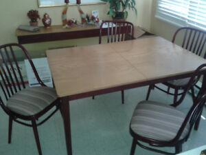 Set de cuisine table 4 chaises