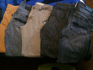 LIKE NEW - GONGSHOW/AMERICAN EAGLE JEANS
