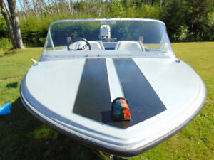 13.5ft Speed Boat
