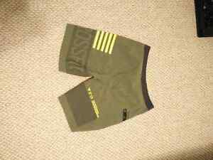 Reebok Crossfit Short size 32 and size small Kingston Kingston Area image 2