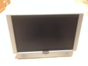 Audiovox TV and DVD player in one, like New with remote