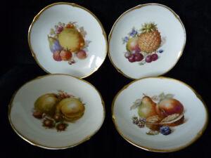 Estate sale - quality European porcelain: 4 Schumann plates