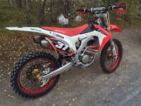 Honda CRF 250R build base model