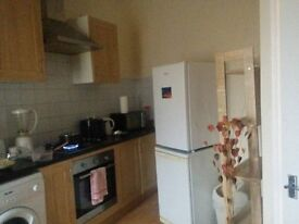 Large double bedroom to rent including all facilities .Ideal for a student of professional