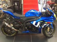 Suzuki GSXR 1000 2015 ONLY 2 OWNERS AND A MERE 2200 MILES.