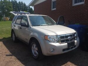ford ESCAPE 4X4 open to a good offer