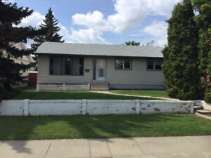 1050 Sq ft Bungalow Available Immediately - 1st month free!