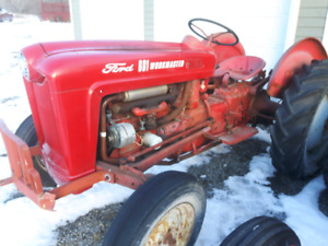 Ford 641 tractor