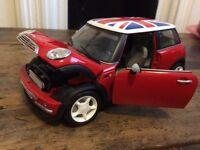 Burago 1:18 BMW Mini Cooper