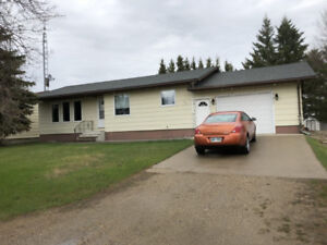 2 Bdrm Bungalow for Sale in Rossburn, MB!