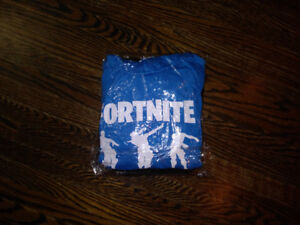 size 6 7 8 fortnite hooded  sweater and track pants set