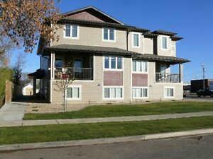 TABER - 3Bedroom in Newer 8plex - Close to Downtown, Schools