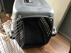 Like new pet crate