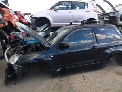 Wrecking 2006 Suzuki Grand Vitara Swb