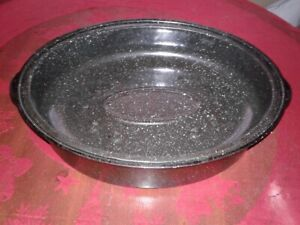 Full size 2 piece Roasting Pan and Salad Spinner