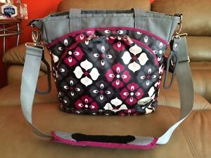 JJ Cole diaper bag Burgundy, grey & black West Island Greater Montréal image 2