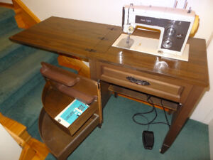 Sears Kenmore Zig Zag Sewing Machine and Table