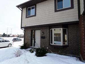 3 Beds 3 baths End Unit Townhome in Tanglewood