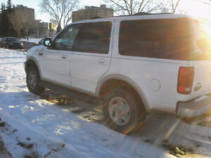 NEED GONE FAST,2000 Ford Expedition Tan SUV, Crossover